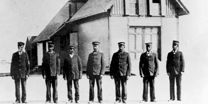 Pea-Island-Life-Saving-Station-crew