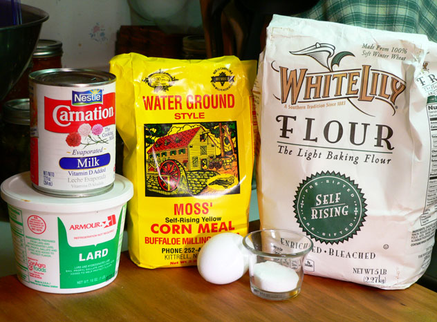Cornbread: You'll need these ingredients.